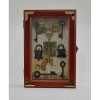 Ключница настенная «Закрытые двери»